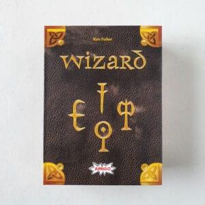 Read more about the article 《桌遊拓荒系列011》Wizard 神機妙算 25 周年版